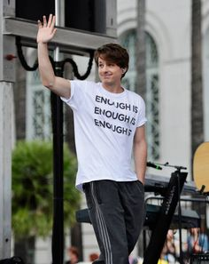 Musician Charlie Puth performs at March For Our Lives Los Angeles on March 24, 2018 in Los Angeles, California.