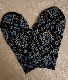 Mittens that I`ve made. A lot of work,but beautiful pattern.
