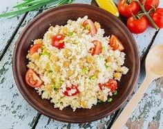 couscous with chickpeas and cherry tomatoes Sin Gluten, Cherry Tomatoes, Fried Rice, Grains, Salads, Veggies, Tasty, Ethnic Recipes, Chickpeas
