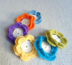 Crochet flowers Listing is for 8 crochet flower embellishments Adorable for your shabby chic crafting! It could adorn small projects such as hair Valentine Day Gifts, Christmas Gifts, Valentines, Handmade Gifts For Her, Flower Applique, Flower Brooch, Crochet Flowers, Decoration, Embellishments