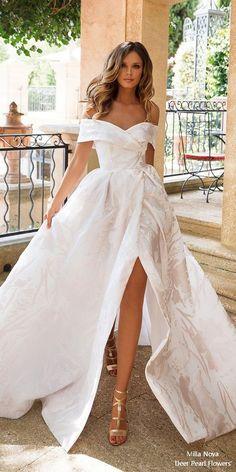 I'm so in love with this elegant and stunning Milla Nova wedding dress MORE STYLE INSPIRATION --> www.eva-darling.com and www.instagram.com/eva_phan