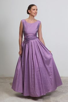 Vintage style bridesmaids and special occasions maxi taffeta dress in light lilac purple #apparel #bridesmaid $325