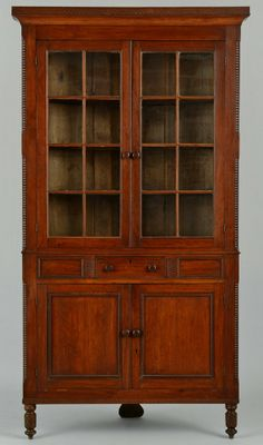 East Tennessee cherry corner cupboard, attributed to McMinn County. This corner cupboard is Illustrated in The Art & Mystery of Tennessee Furniture by Nathan Harsh and Derita Williams, p. Southern Furniture, Country Furniture, Farmhouse Furniture, Country Decor, Shaker Furniture, Primitive Furniture, Primitive Antiques, Antique Furniture, Antique Dressers