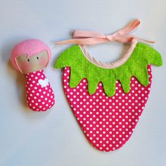 Image of MTTD Baby Rattle and Strawberry Bib Set -- broken link Burp Rags, Burp Cloths, Sewing For Kids, Baby Sewing, Best Baby Toys, Baby Couture, Baby Rattle, Baby Kind, Baby Crafts