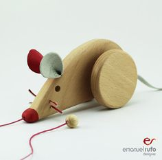 Navidad Regalo juguete de madera ratón hembra por emanuelrufo