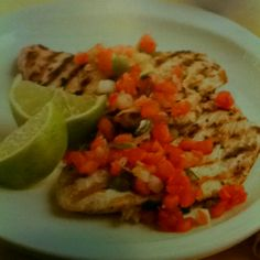 Grilled Turkey Cutlets with Salsa: 134 calories  1 tsp evoo, 1 lb boneless skinless turkey cutlets, 1/8 to 1/4 tsp seasoned salt, 1/2 tsp salt-free extra-spicy seasoning, 6 tbsp fresh salsa (refrigerated, not jarred)  Makes 4 servings  Biggest Loser Family Cookbook page 129