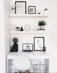 Einfache DIY Small Bedroom Organisation und Storage Hacks, – home office organization diy Bedroom Desk, Home Decor Bedroom, Room Decor, Bedroom Inspo, Small Bedroom Office, Bed Room, Diy Bedroom, Bedroom Shelves, Office In Small Space