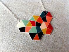Collier hexagone géométriques colorés multi