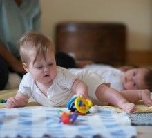Incorporating a deep respect and appreciation of the baby as more than a helpless object, Magda Gerber's Educaring® Approach encourages infa. Gentle Parenting, Kids And Parenting, Infant Activities, Activities For Kids, Magda Gerber, Montessori Infant, Primary Caregiver, Toddler Classroom, Ways Of Learning