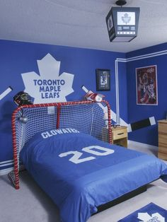 Kids Boys' Rooms Design, Pictures, Remodel, Decor and Ideas - page 110 Bedroom Themes, Girls Bedroom, Bedroom Ideas, Bedroom Decor, Boy Bedrooms, Bedroom Designs, Bedroom Wall, Boys Hockey Room, Soccer Bedroom