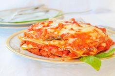 Lasagne al sugo al ragù semplice, ricetta veloce, primo piatto facile, idea per la domenica per le feste, lasagne leggere con mozzarella e carne, ottime per i bambini