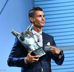 News Photo : Real Madrid's Portuguese player Cristiano Ronaldo...