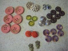 FaveCrafts Giveaway:  Lots of Buttons! Win 25 dollars worth of FREE BUTTONS!  Contest ends 2.22.13!