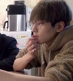 『˗ˏˋpinterest ~ @strawberrymurlk ˎˊ˗』 Mingyu, Seungkwan, Woozi, Seventeen Memes, Seventeen Wonwoo, Bambam, Hip Hop, Seventeen Scoups, Meanie