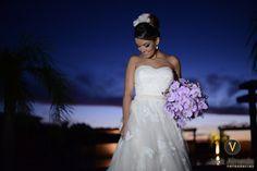 Mais uma noivinha que arrasou com a nossa headpiece! A Fernanda da Silva usou a peça na sua festa e fez o maior sucesso. Obrigada pela confiança❤️👰💏🌸📷Vick Almeida  #headpieces #bridalheadpieces #acessoriosparacabelo #acessoriosparanoivas #wedding #casamento #bride #love #mercedesalzueta #handmade #noiva #instabride  #brideoftheday #noivadodia #bride #noiva #noivareal #realbride #wedding #casamento #ateliermercedesalzueta #bridalheadpiece #acessoriodecabelo
