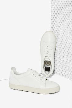the best attitude 934b8 e6bb1 Dolce Vita Westin Leather Sneakers   Shop Shoes at Nasty Gal! Neue Schuhe,  Absatzschuhe