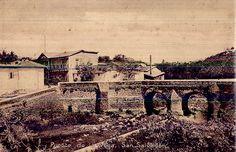 Puente de La Vega, San Salvador, El 15 de septiembre de 1924 fueron inaugurados dos importantes puentes:• El de Malespín, en el barrio de La Vega de cemento armado, construido sobre bastiones de mampostería.• El de la Finca Modelo, con una armadura metálica sistema Bo.trjstring y resiste una aplanadora de veinte toneladas de peso , este puente importó la cantidad de 486 dólares 13 centavos y une los Barrios de Candelaria y San Jacinto,