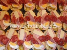 POHOŠTĚNÍ-obložené chlebíčky - Rendiny stránky Hot Dogs, Sausage, Ethnic Recipes, Food, Sausages, Essen, Meals, Yemek, Eten