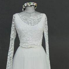 Untertop mit V-Ausschnitt für Spitzentop zur Hochzeit Marry Me, Victorian, Tops, Collection, Dresses, Fashion, Beautiful Dresses, Contemporary Wedding Dresses, Victorian Dresses