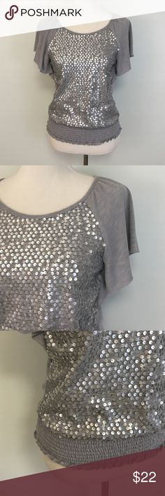 """A. Byers Sequence Batwing Style Top Top: Excellent Like New Condition - A. Byer / under arm to arm: 16"""" L: 22"""" A. Byer Tops"""