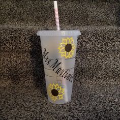 Sunflower Cup, Starbucks Cup, Personalized Reusable Starbucks Cup with Straw, Starbucks Venti Cold C Personalized Starbucks Cup, Custom Starbucks Cup, Personalized Tumblers, Starbucks Water Bottle, Superhero Party Favors, Party Shots, Starbucks Venti, Little Cup, Yeti Cup
