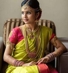 South indian bridal makeup jewels ideas for 2019 South Indian Bridal Jewellery, Indian Bridal Makeup, Indian Jewellery Design, Bridal Jewelry, Silver Jewellery, Indian Jewelry, Asian Bridal, Jewelry Design, Kerala Bride