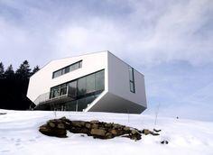 House N, Gramastetten, Austria by Archinauten–Dworschak + Mühlbachler Architekten.