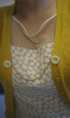 Oh man, this is my kind of accessory! This daisy sweater clip would go perfectly with my crocheted flower earrings.