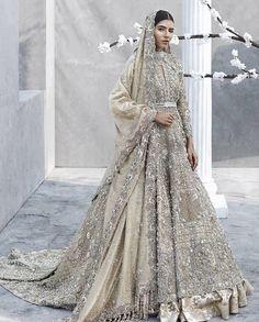 33 Pakistani Bridal Lehenga Designs to Try in Wedding - LooksGud. Asian Bridal Dresses, Asian Wedding Dress, Indian Bridal Outfits, Pakistani Bridal Dresses, Pakistani Wedding Dresses, Indian Dresses, Bridal Lehenga, Walima Dress, Wedding Ideas Asian