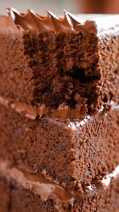 foods snack dessert recipes easy chocolate video Best Ever Chocolate Fudge Cake Best Moist Chocolate Cake, Ultimate Chocolate Cake, Chocolate Cake Recipe Easy, Chocolate Desserts, Chocolate Lovers, Chocolate Frosting, Homemade Chocolate, Chocolate Chocolate, Chocolate On Chocolate Cake
