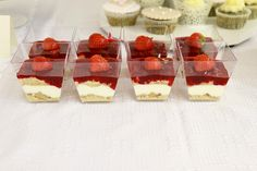 candy bar nitra Wedding Cakes With Cupcakes, Cheesecake, Candy, Pure Products, Bar, Sweet, Desserts, Food, Tailgate Desserts