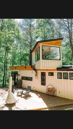 Container Home Designs, Container House Plans, Container Homes, Container Cabin, Container Buildings, Tiny House Living, My House, Tiny House Design, Cabins In The Woods