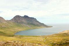 Alles ist gut.: Veíðíleysufjörður mit Berg Kambur, Island