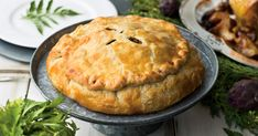 Nous vous suggérons de remplacer la traditionnelle pomme de terre par la patate sucrée dans cette recette de tourtière de porc et de veau à la patate douce.