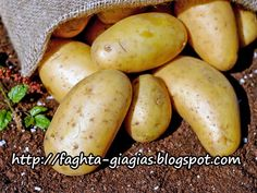 Confused about how many carbs to eat per day? Current amount of carbs your eating not working? What are the type 2 diabetic carbs per day recommendations anyway? Potato Health Benefits, Benefits Of Potatoes, Juicing Benefits, When To Harvest Potatoes, Potato Varieties, Planting Potatoes, Grow Potatoes, Baked Potatoes, Frozen Potatoes