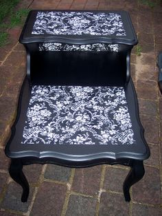 Uniquely Chic: French Mod Podge Fabric Table