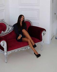 Beauty in hot heels 🔥 # Hot Heels, Sexy Heels, Stockings Heels, Pointed Toe Pumps, Womens High Heels, Legs, Leather, James Bond, Beautiful