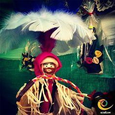 A algunos hombres los disfraces no los disfrazan, sino los revelan. Cada uno se disfraza de aquello que es por dentro.#tlaxcala #tradiciones #cultura #carnaval #carnaval2014 #ucoatl