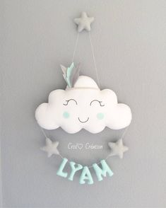 Fantastic Absolutely Free Baby Shower Decorations in india Tips Compliment parents-to-be by simply putting using a memorable child shower. How can you produce a baby shower c. Baby Boy Room Decor, Baby Room Diy, Baby Room Design, Baby Boy Rooms, Diy Baby, Felt Crafts, Diy And Crafts, Baby Shower Gifts, Baby Gifts