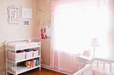 decoração quarto bebê rosa lustre provençal