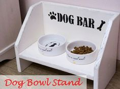 DIY Dog Bowl Stand via Country Crow http://country-crow.blogspot.ru/2015/08/handmade-dog-bowl-stand.html