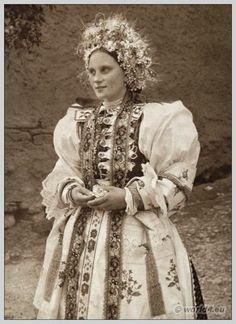 Bride in traditional wedding costume from Liptovské Sliače, Slovakia. The Low Tatras. Traditional Wedding, Traditional Dresses, Serbian Wedding, European Costumes, Wedding Costumes, Folk Costume, My Heritage, Historical Costume, Folklore