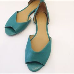 Nine West Turquoise open toe flats Excellent used condition. Soft leather. Fit true to size. Perfect for summer! Nine West Shoes Flats & Loafers