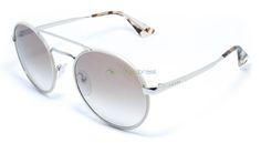 Com formato redondo e aro duplo, o Prada SPR 51S é excelente para compor qualquer visual, com a certeza de que quem o veste se destaca por onde passa  https://www.oticasbrasil.com.br/prada-spr-51s-ufh-4o0-oculos-de-sol-1948745236