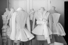 Christian Dior Haute Couture via Les Journées Particulières LVMH - 15 & Dior Haute Couture, Style Couture, Couture Details, Fashion Details, Couture Fashion, Fashion Design, Christian Dior, Couture Sewing, Mode Vintage