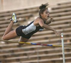 Viral Pole Vaulting Sensation Allison Stokke, Where Is She Now? Triathlon Women, 10 Years After, Pole Vault, Cross Country Running, Action Poses, Sports Stars, Track And Field, Athletic Women, Human Body
