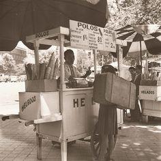 Fotos antiguas: El carrito de los helados (1959) | Secretos de Madrid