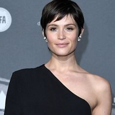 Can everyone pull off a pixie crop?