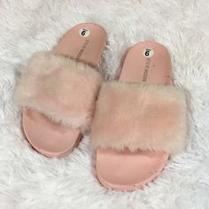 5095b3f9b7e0 Shop Women s Steve Madden Pink size 6 Shoes at a discounted price at  Poshmark. Description  Baby pink fuzzy slide in sandals.