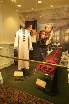 The Costumer& Guide to Movie Costumes Titanic Movie Facts, Titanic Quotes, Titanic Kate Winslet, Kate Winslet And Leonardo, Titanic Costume, Titanic Dress, Titanic Museum, Rms Titanic, Titanic Behind The Scenes